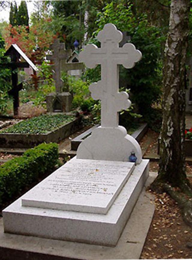 Мраморный крестик Белый памятник на могилку Лиски